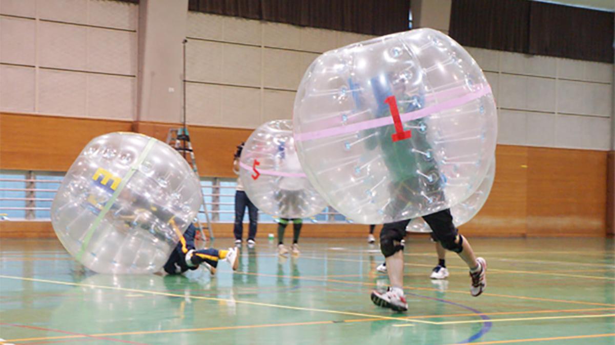 反則があたりまえの新スポーツ バブルサッカーがヤバい!