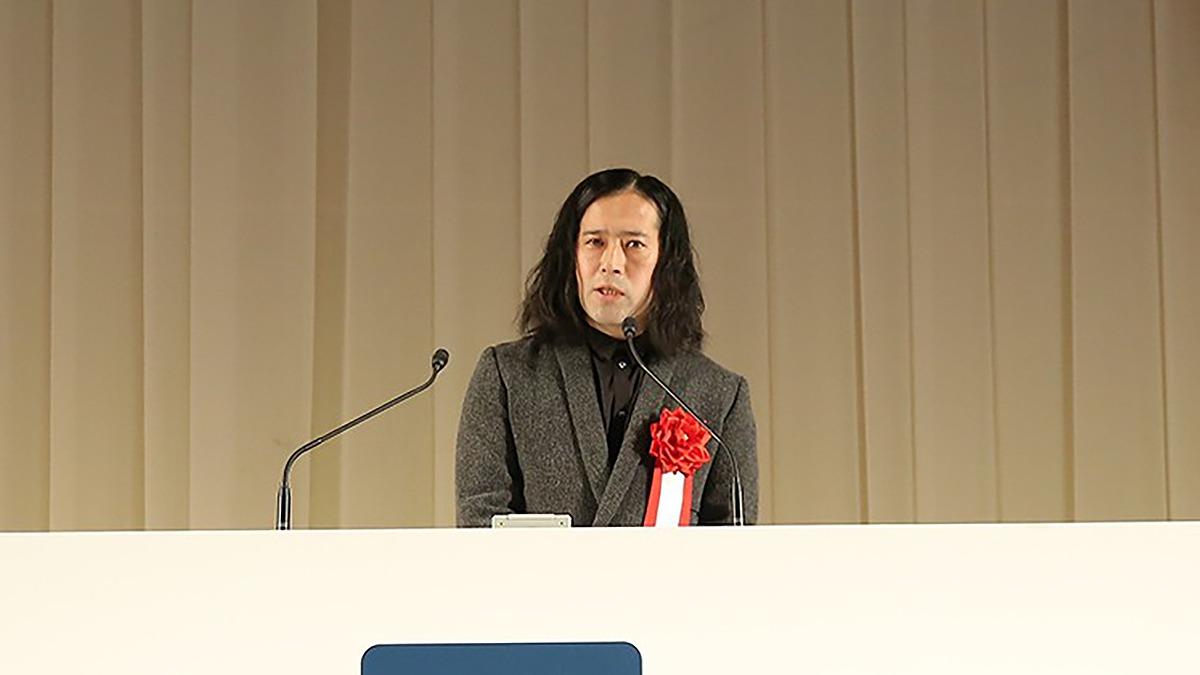 「バッドエンドはない」ピース・又吉直樹さんが卒業生に贈ったスピーチ全文を公開