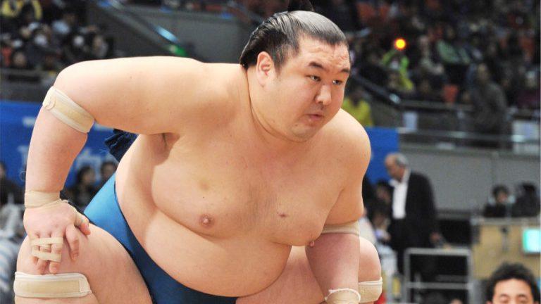 知れば大相撲が楽しくなる!力士になる条件、給与や賞金…意外と知らない相撲のハナシを近大OBの元力士・大岩戸関に聞いてみた